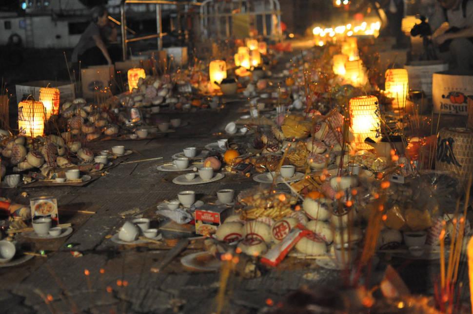 Buns and lanterns