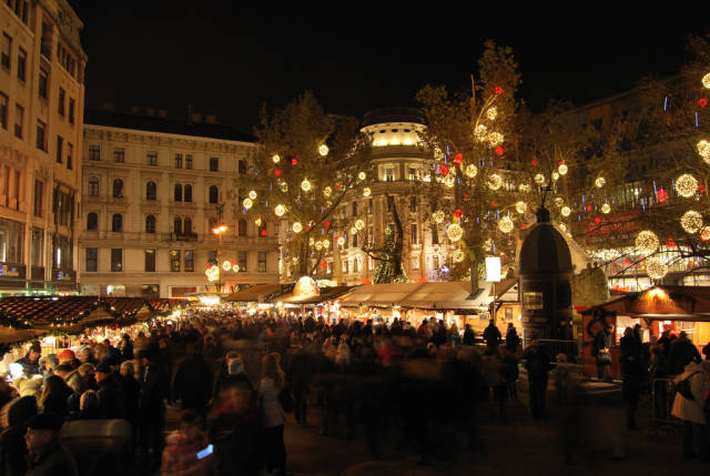 Budapest Christmas Market in Hungary - Best Time
