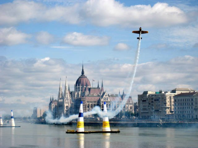 The Red Bull Air Race in Hungary - Best Time