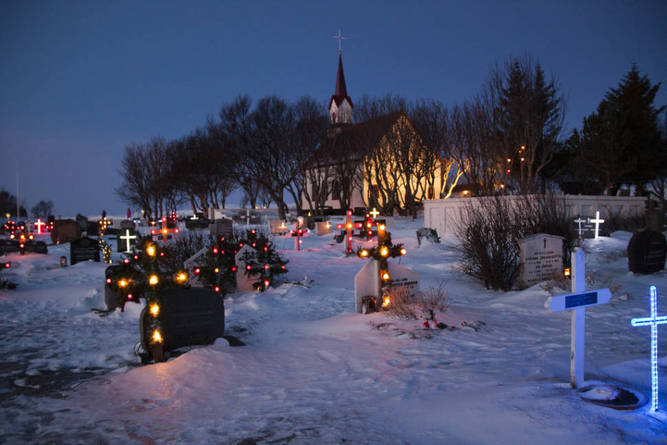 Illuminated Gravestones in Iceland - Best Season