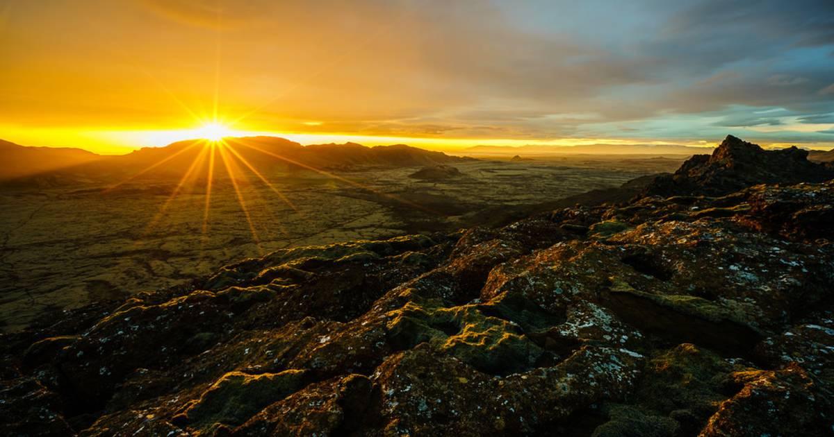 Midnight Sun in Iceland - Best Time