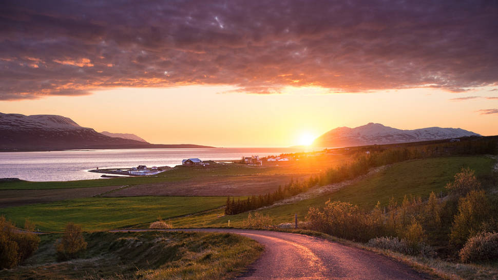 Best time for Midnight Sun in Iceland