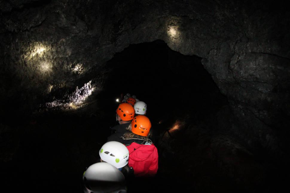 Cavetour in Vatnshellir