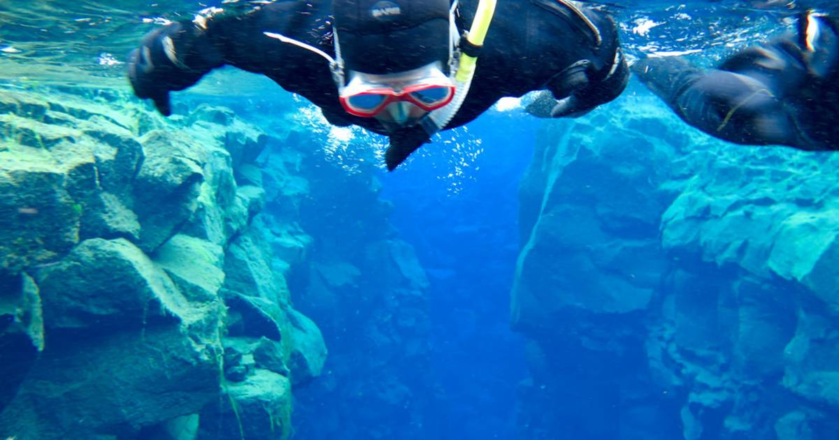 Snorkelling and Diving in the Mid-Atlantic Ridge in Iceland - Best Time