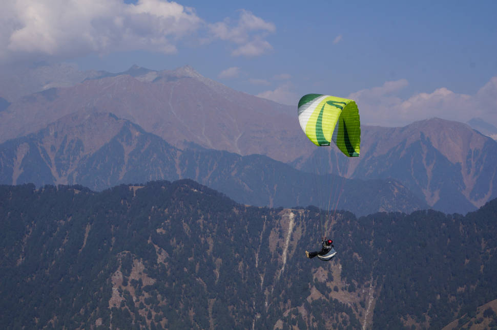 Paragliding in India - Best Season