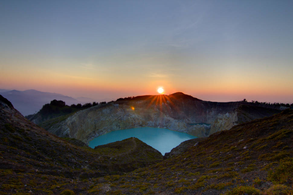 Best time for Kelimutu Crater Lakes in Indonesia