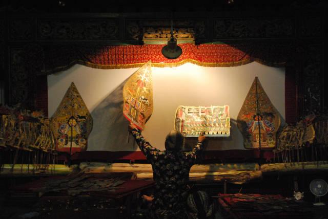 Wayang Kulit Puppet Theatre in Indonesia - Best Season
