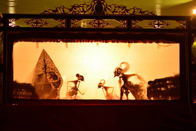 Wayang Kulit Puppet Theatre in Indonesia - Best Time
