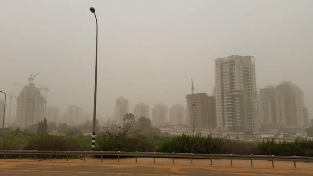 Dust Storms in Israel - Best Season
