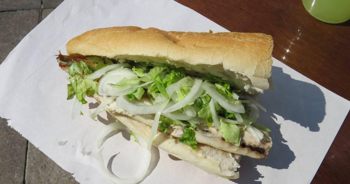 Fish Sandwich (Balık-ekmek) in Istanbul - Best Time