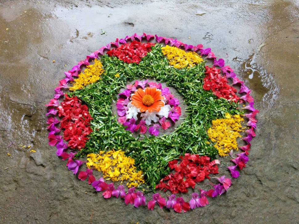 Pookkalam (floral carpet)