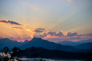 Sunset at Mount Phou Si