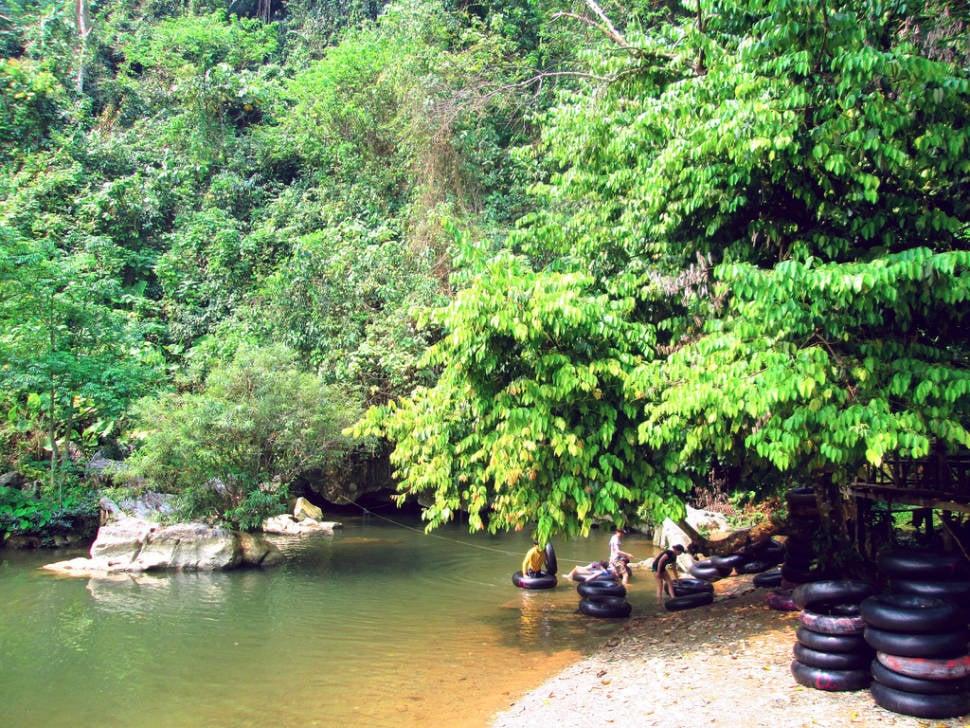 Tubing in Laos - Best Season