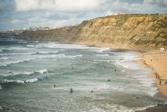 Best time for Surfing in Lisbon