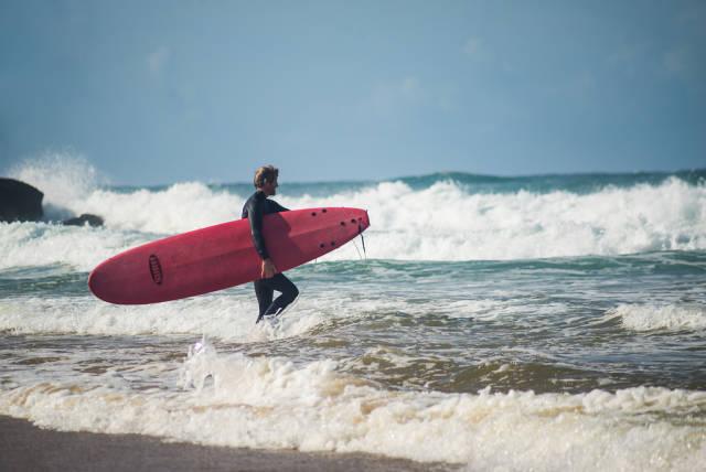 Surfing in Lisbon - Best Time