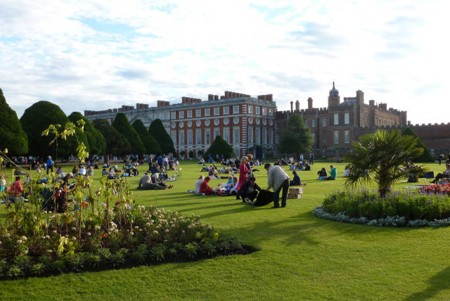 Hampton Court Palace Festival in London - Best Season