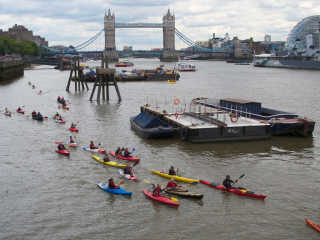 Paddling on the Thames