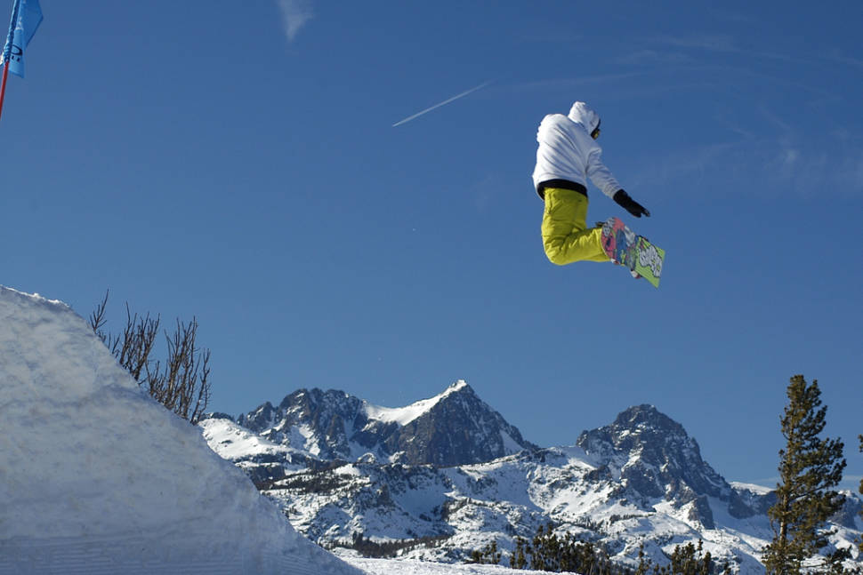 Skiing and Snowboarding  in Los Angeles - Best Season