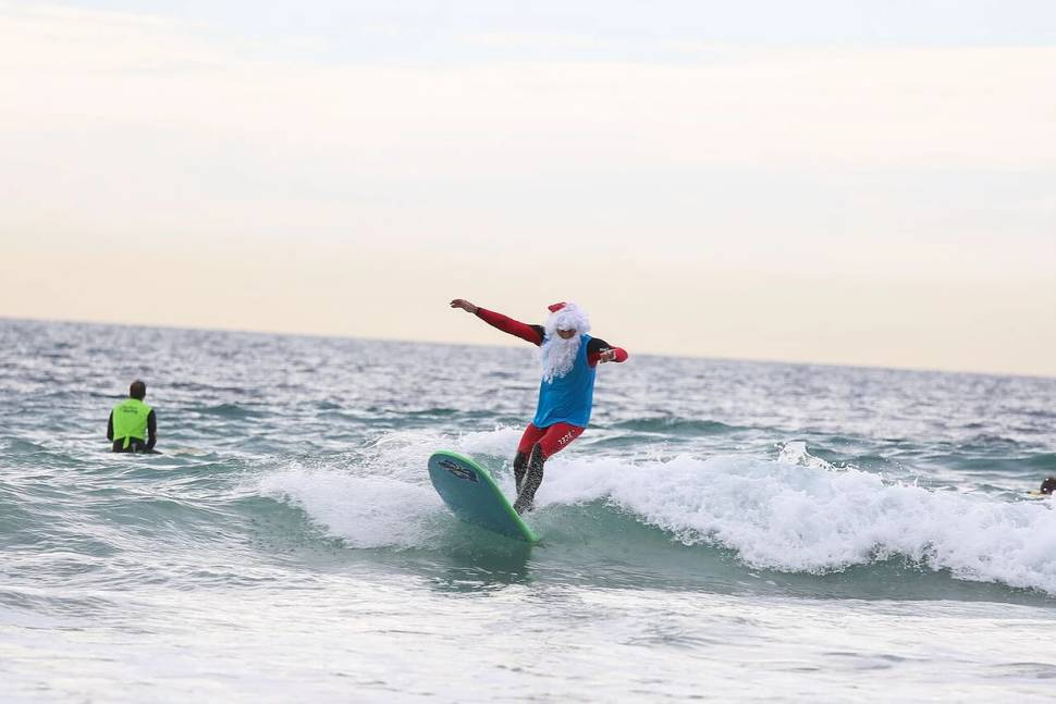Surfing Santa Competition in Los Angeles - Best Time