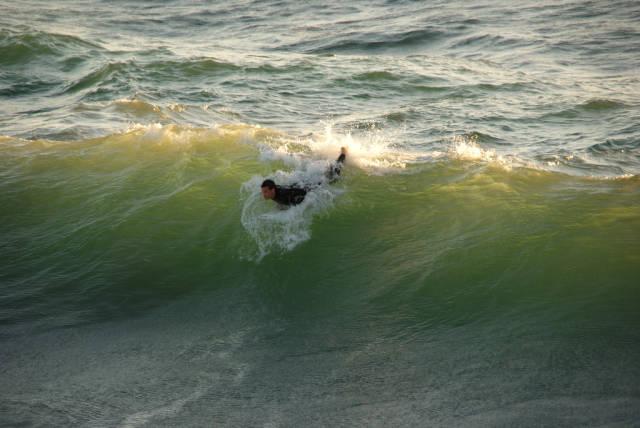 Surfing  in Los Angeles - Best Season