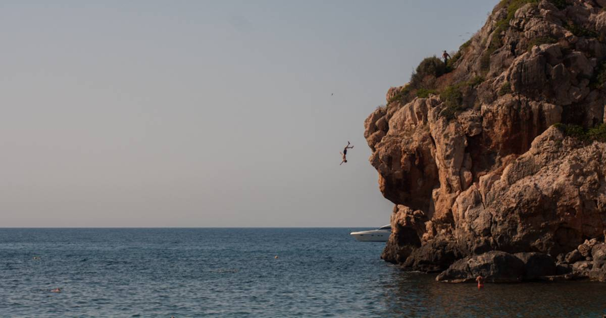 Cliff Jumping in Mallorca - Best Time