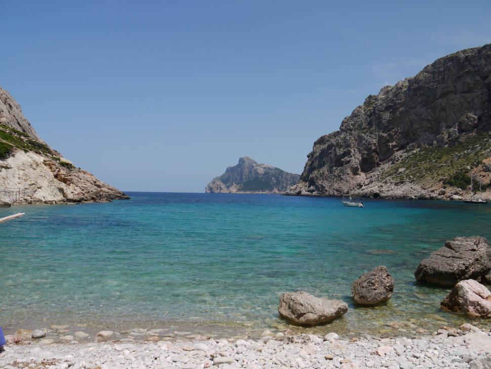 Calm waters of Cala Boquer
