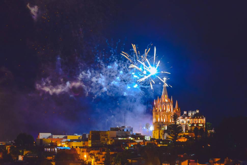 Best time for Fiestas de Octubre in Mexico