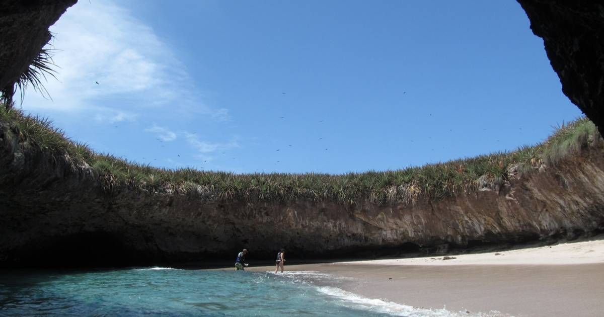 The Hidden Beach (Playa Del Amor) in Mexico - Best Time