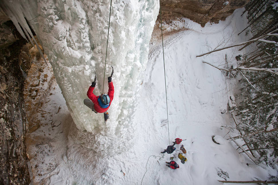 Pictured Rocks Winter Hike in Midwest - Best Time