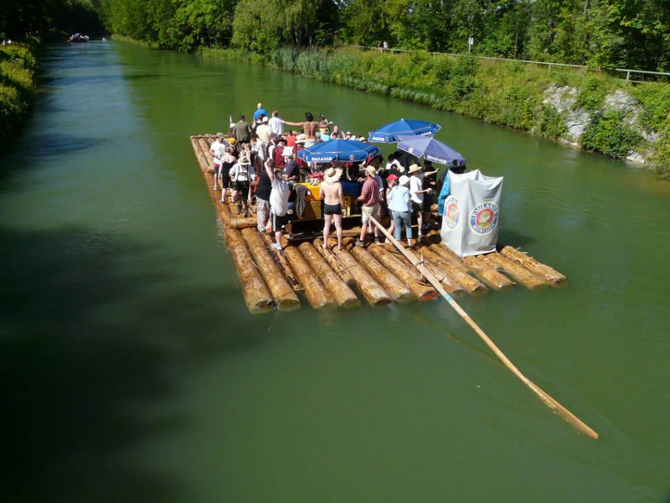 Floating Beer Garden (Isar Floßfahrt) in Munich - Best Season