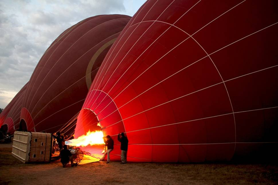 Best time for Air Ballooning over Bagan in Myanmar