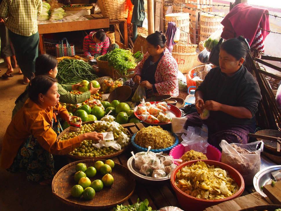 Ananda Pagoda Festival in Myanmar - Best Season