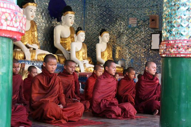 Rain Retreat Meditation in Myanmar - Best Time