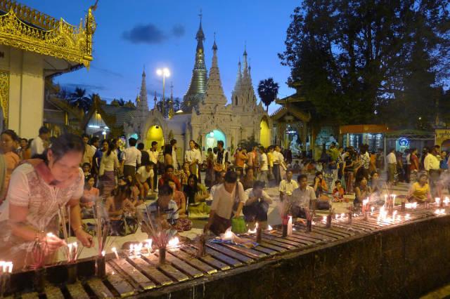 Best time for Tazaungdaing Light Festival in Myanmar