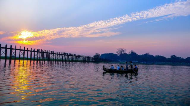 Best time for U Bein Bridge in Myanmar