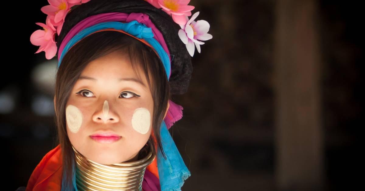 Wearing Thanaka in Myanmar - Best Time