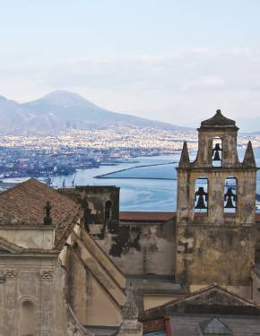 Best time to visit Naples and Pompeii