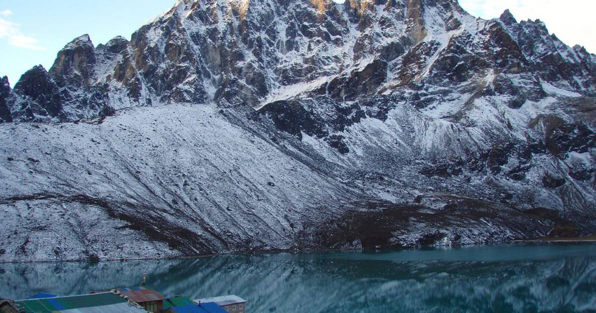 Observing Everest from the Gokyo Lakes in Nepal - Best Time