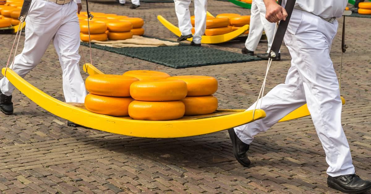 Alkmaar Cheese Market in The Netherlands - Best Time
