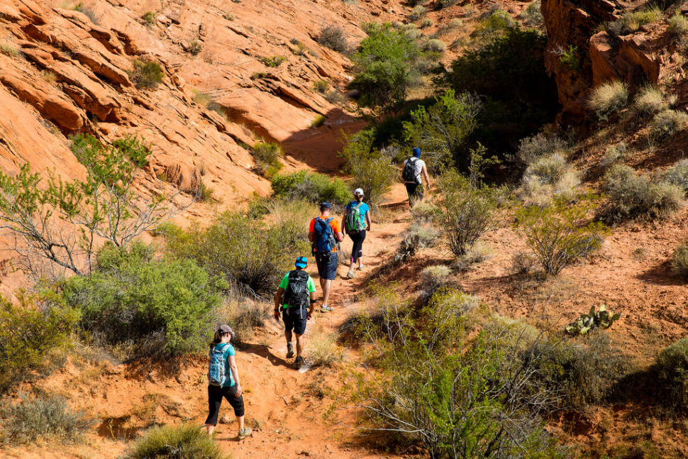 Hiking in the Valley of Fire in Nevada - Best Season