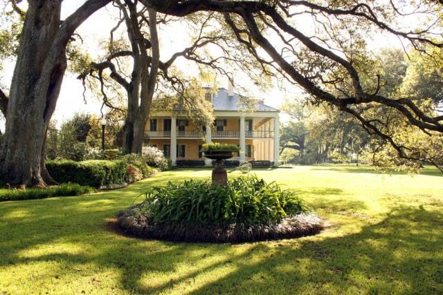 Best time for Plantation Pilgrimage in New Orleans
