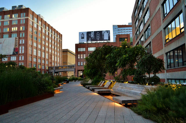 The High Line Sightseeing in New York - Best Season