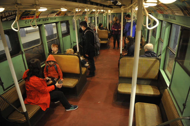 Vintage Trains and Buses in New York - Best Season