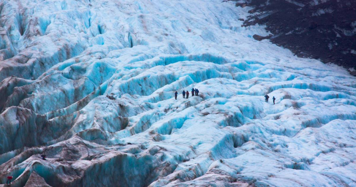 Hiking through the Glaciers in New Zealand - Best Time