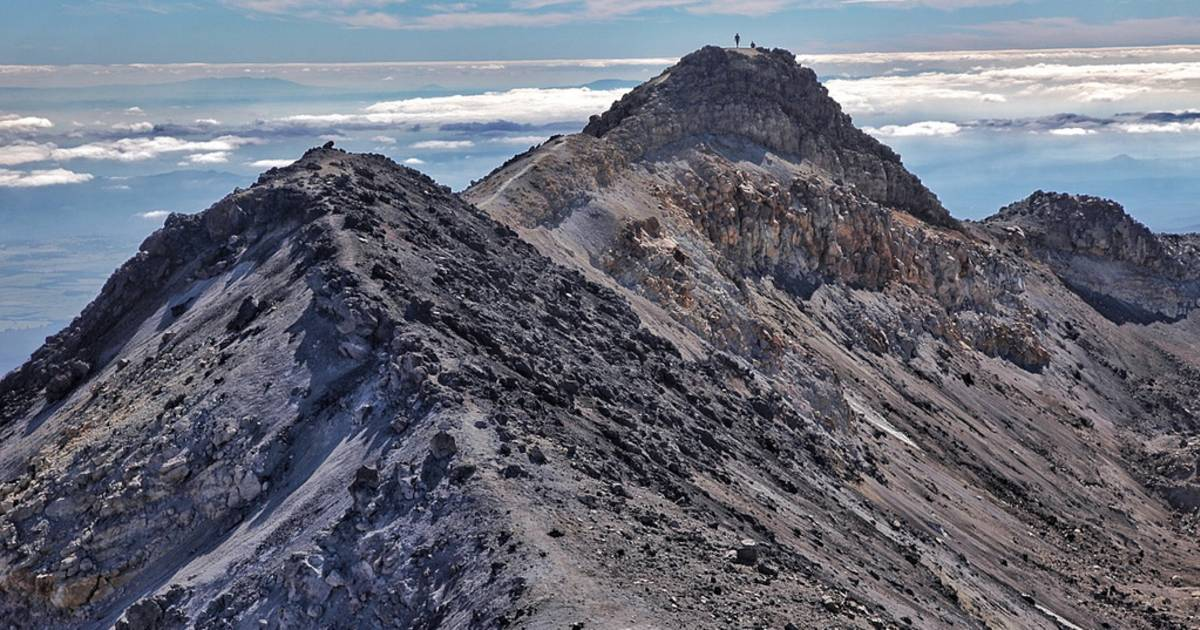 Mt Ruapehu Crater Climb in New Zealand - Best Time