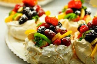 Pavlova Dessert