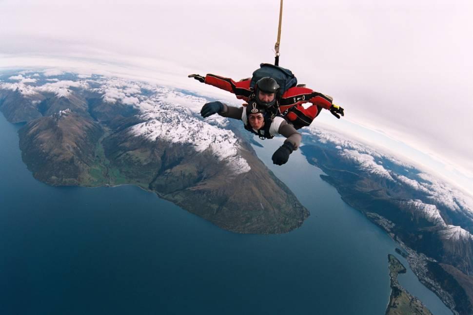 Skydiving in Queenstown in New Zealand - Best Time