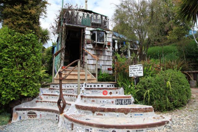 The Lost Gypsy Gallery Bus in New Zealand - Best Season