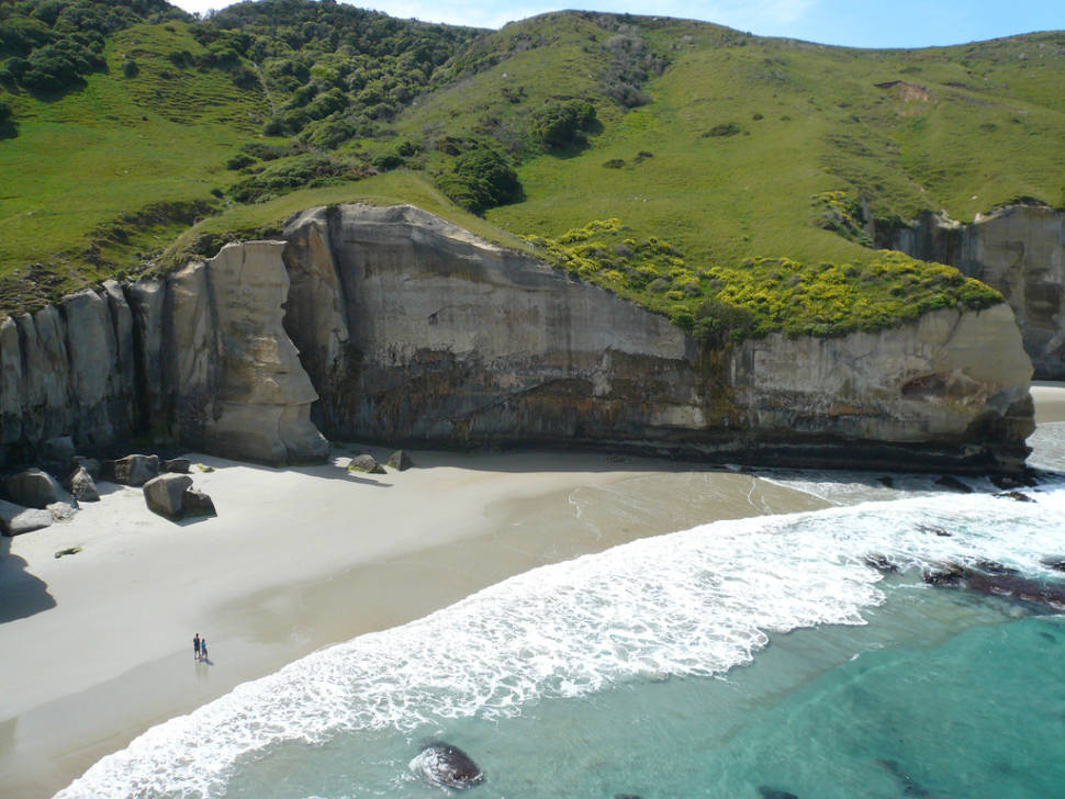 Best time for Tunnel Beach, Dunedin in New Zealand