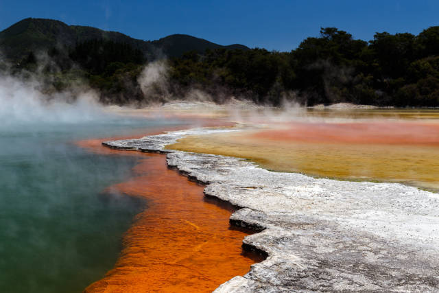 Wai-O-Tapu Thermal Wonderland in New Zealand - Best Time